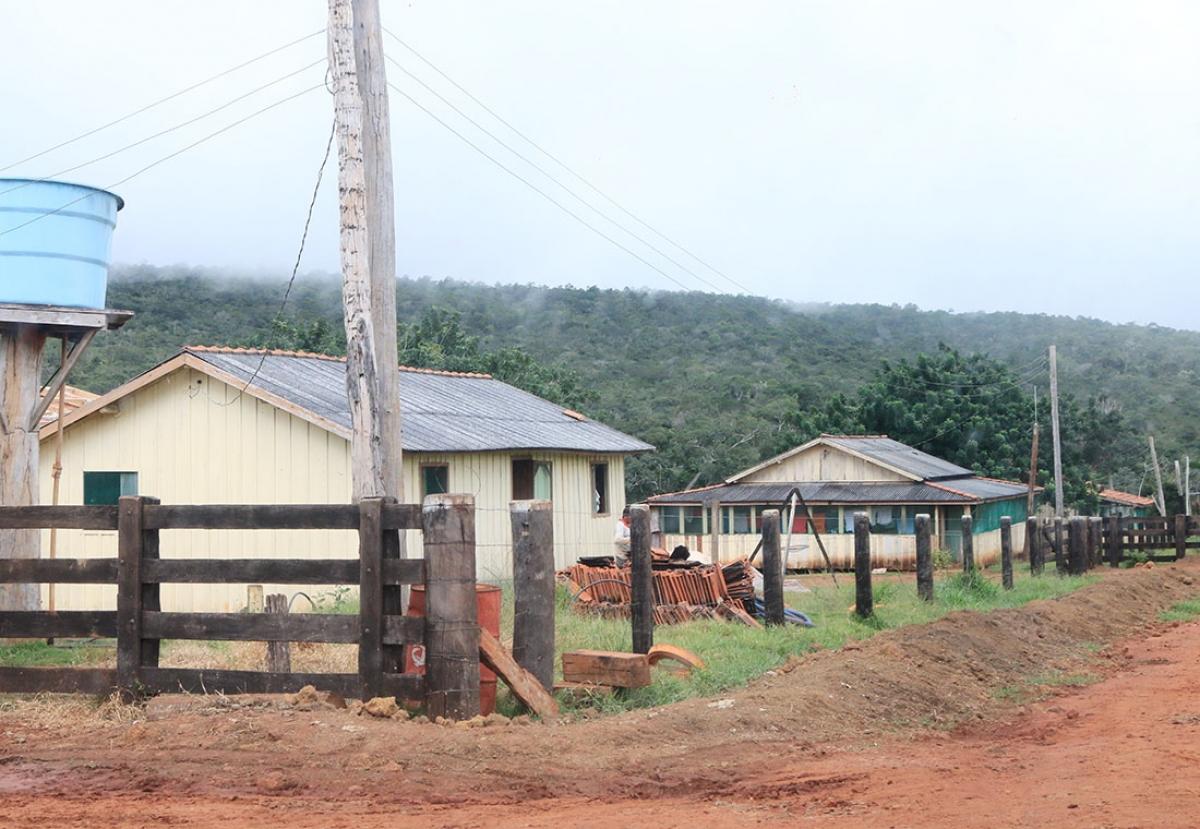 Casas dos funcionários da fazenda Paredão: ocupação irregular - Ednilson Aguiar/O Livre