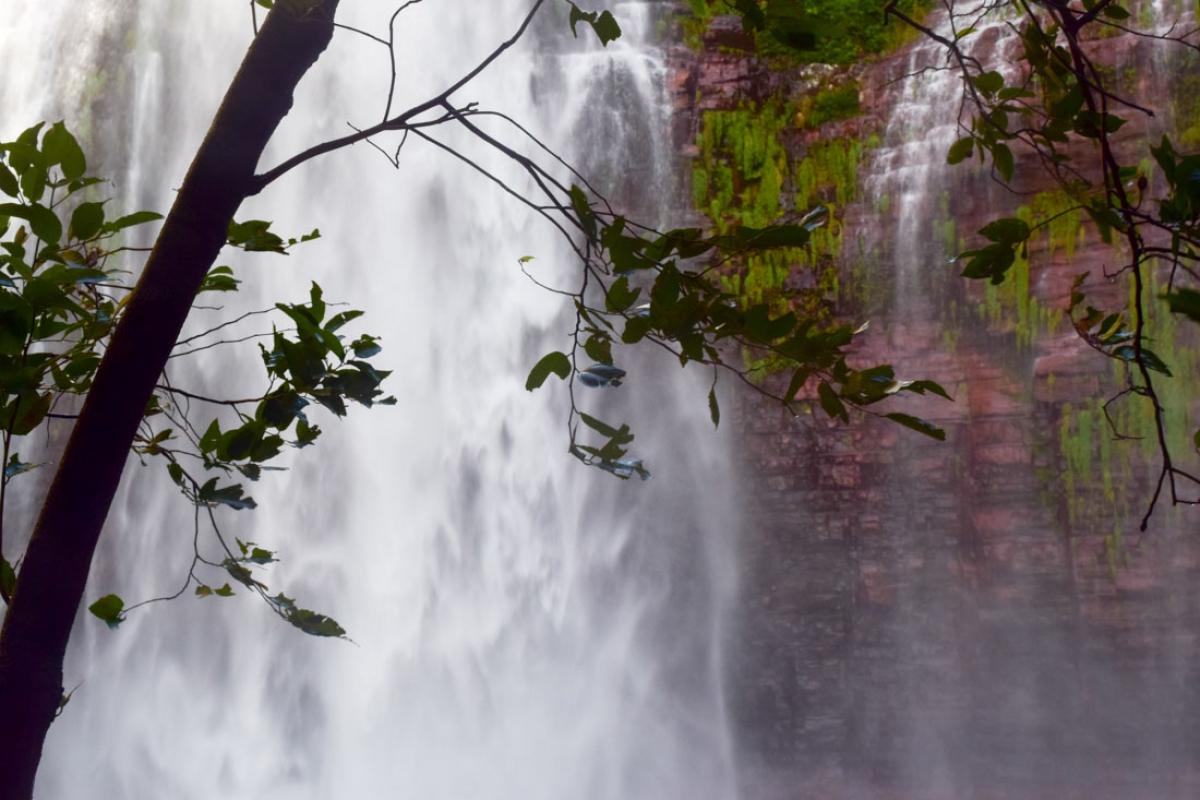 Cachoeira dos namorados - Maria Angélica Oliveira