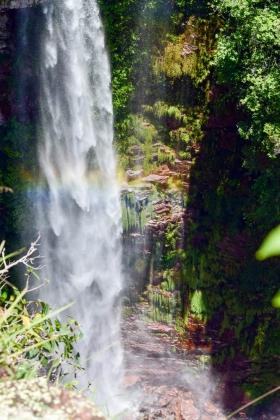 Arco Íris na cachoeira dos Macacos, no Parque Estadual Serra de Ricardo Franco - Maria Angélica Oliveira