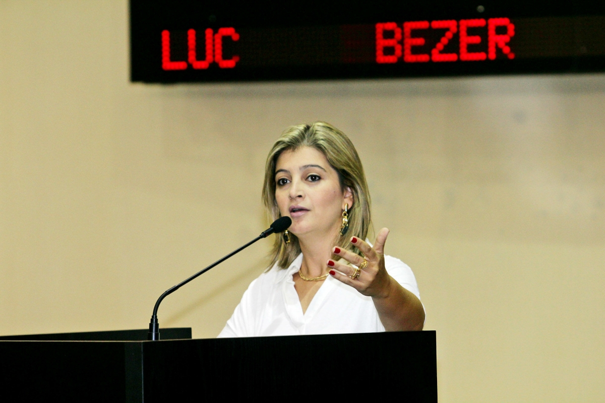 Luciane Bezerra