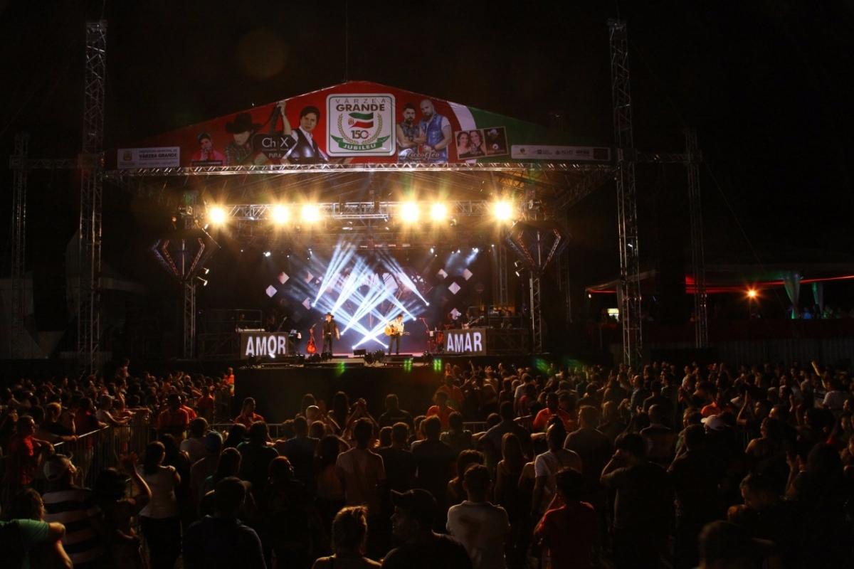 Show de Chitãozinho e Xororó em Várzea Grande - Divulgação