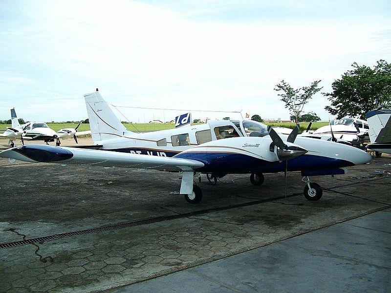 Avião Silval