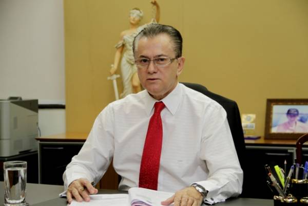 Desembargador Orlando Perri