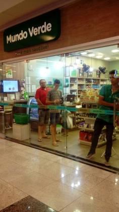 Lojas fecharam as portas na correria - Willian Silva