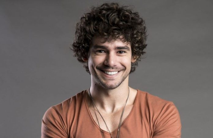 Osmar Silveira é mato-grossense e atua no teatro e televisão