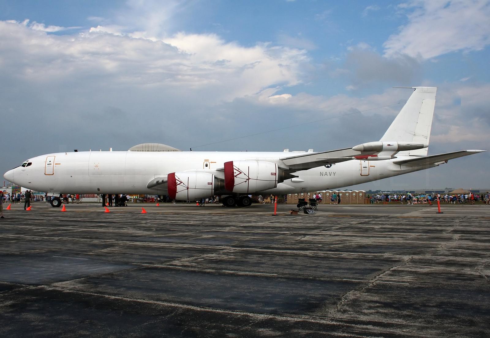Resultado de imagem para avião construido para resistir ao fim do mundo
